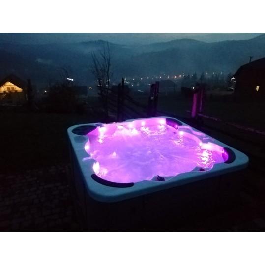 Гидромассажный бассейн IQUE Corsica 2000-CFL (200х200х89)